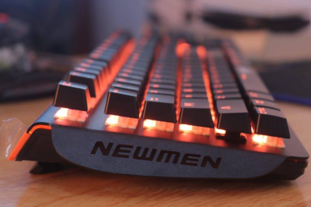 Bàn phím cơ Newmen GM368 Mix Led mặt nghiêng