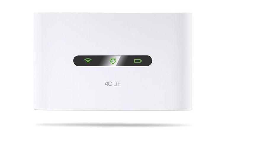 Thiết lập kết nối Internet chỉ trong chớp mắt M7200 với thiết kế nhỏ gọn và giao diện người dùng thân thiện, toàn bộ những gì bạn cần là lắp thẻ SIM và mở nguồn thiết bị, kết nối 4G của bạn sẽ được tự động thiết lập và sẵn sàng cho bạn trải nghiệm trong nháy mắt. Ngoài ra, người dùng dễ dàng quản lý nhờ ứng dụng tp MIFi thông qua thiết bị iOS/Android, qua đó, tpMiFi cho phép người dùng thiết lập giới hạn dữ liệu và kiểm soát thiết bị truy cập.