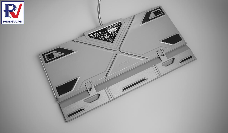 Corsair K70 RGB MK.2 SE mechanical keyboard - gầm bàn phím - Phong Vũ
