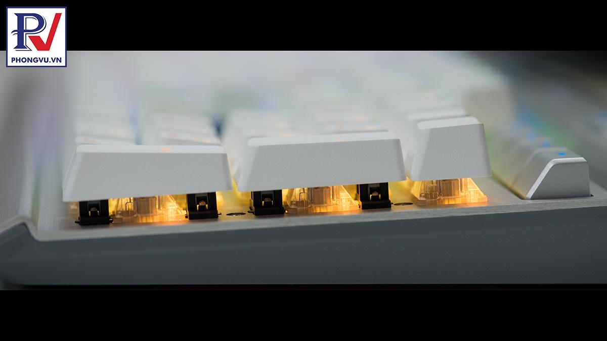 Corsair K70 RGB MK.2 SE mechanical keyboard - crystal lighting - Phong Vũ