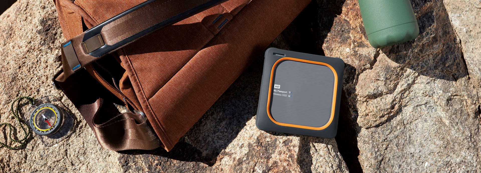 Ổ cứng gắn ngoài WD My Passport Wireless SSD 500GB (WDBAMJ5000AGY-PESN)