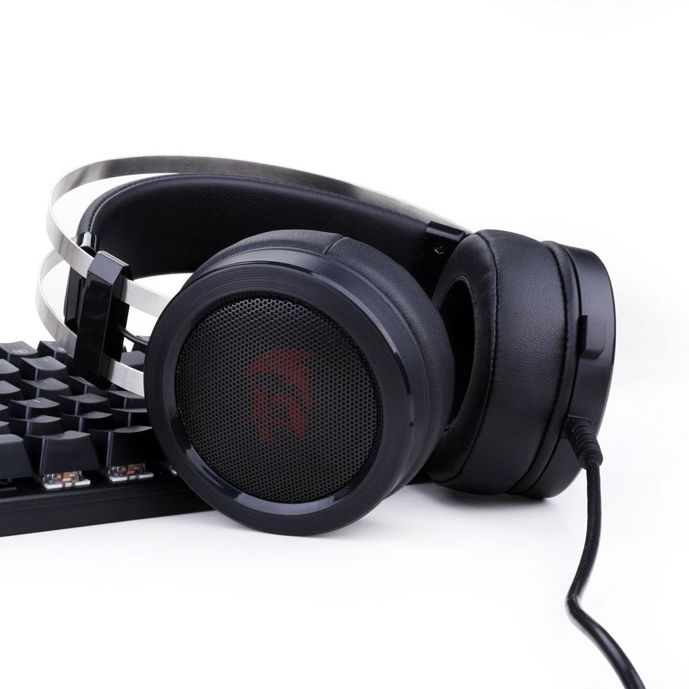 Tai nghe Redragon Scylla H901 tập trung mang lại cảm giác nhẹ nhàng, thoải mái cho người sử dụng.