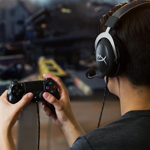 Không chỉ phù hợp với các tựa game Esport, tai nghe gaming HyperX cloud Silver còn thích ứng thoải mái với các tựa game console