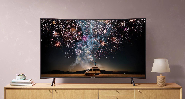 Smart Tivi cong Samsung 4K 55 inch UA55RU7300KXXV thiết kế đẹp mắt phù hợp với mọi không gian