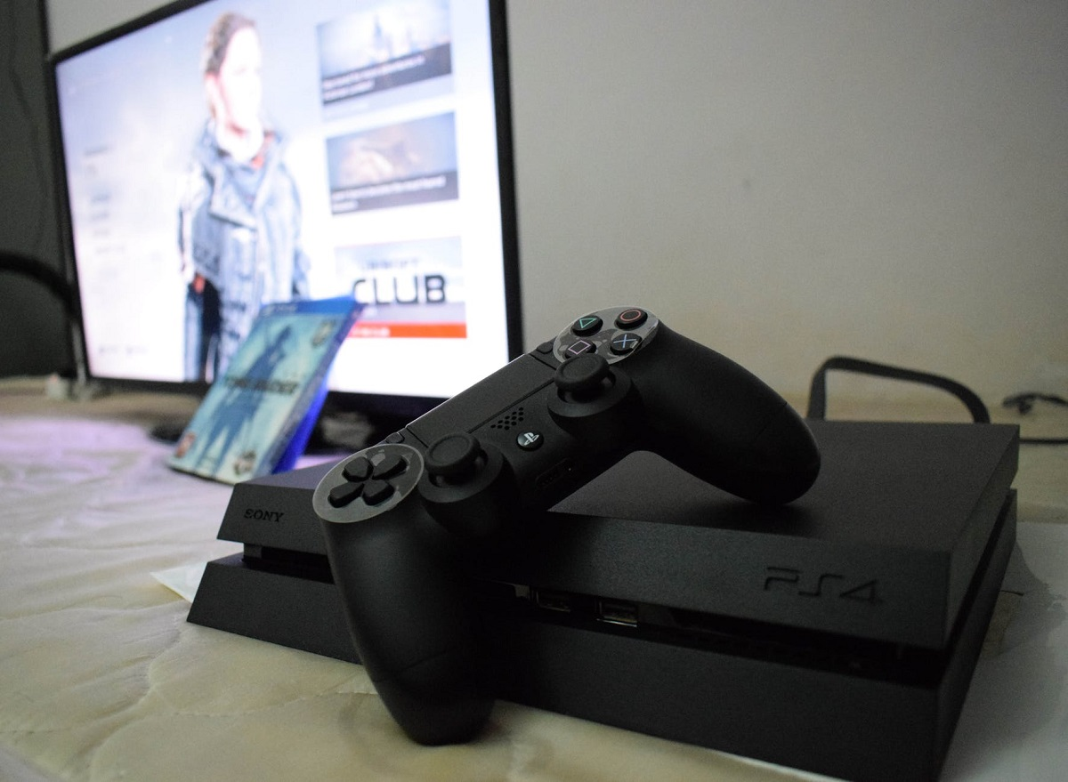 Máy chơi game Playstation PS4 Pro 1TB (CUH-7218B B01)-4