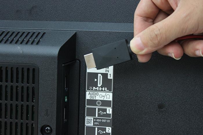 Tivi Sharp 4K 40 inchLC-40UA330X với các kết nối thuận tiện cho người dùng