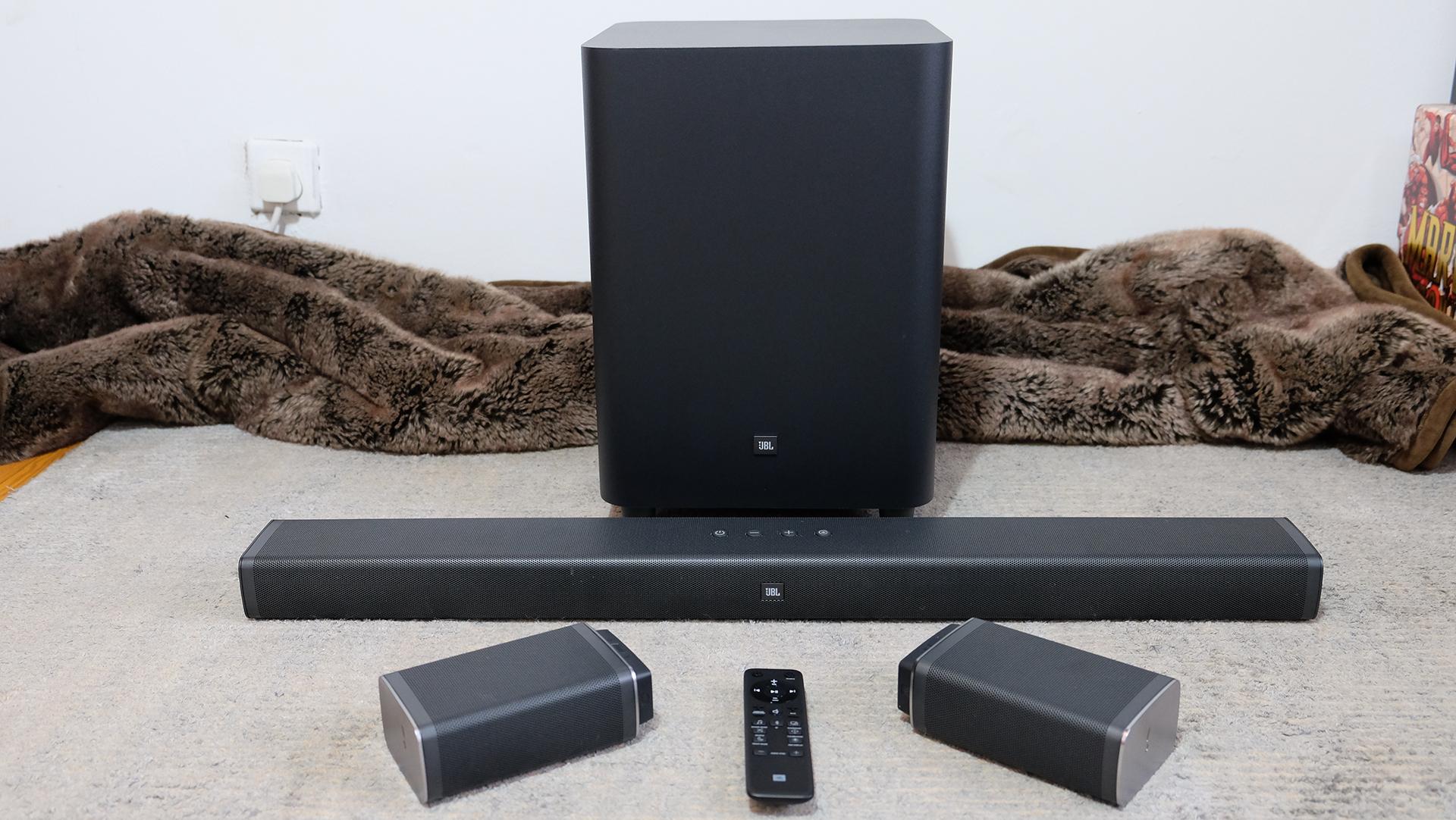 Loa Bluetooth JBL Bar 5.1 (Black) đem tới thiết kế sang trọng trong không gian sử dụng