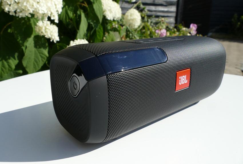 Loa Bluetooth JBL Tuner FM (Black) đem tới trải nghiệm âm thanh tuyệt vời sống động