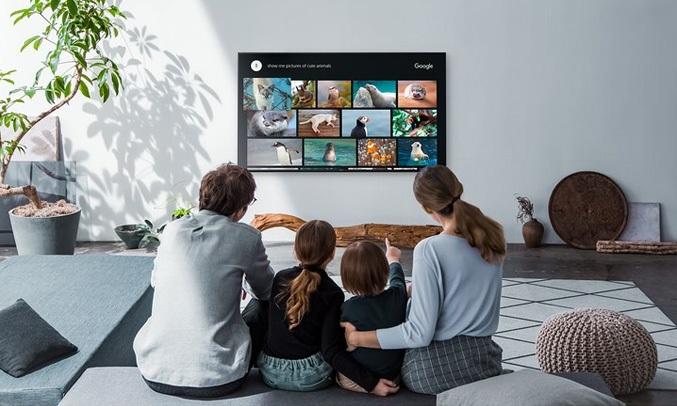 Android Tivi Sony 4K 65 inch KD-65X8000G hỗ trợ tìm kiếm bằng giọng nói