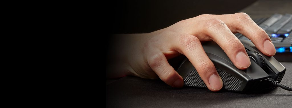 Chuột gaming Corsair Ironclaw thiết kế vừa lòng bàn tay