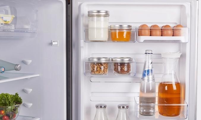 Tủ lạnh Electrolux Inverter 339 lít ETB3400H-H thiết kế ngăn kệ FlexStor tiên lợi cho việc sắp xếp