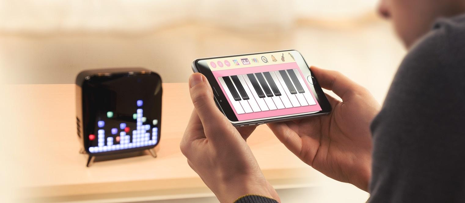 Loa-Bluetooth-Divoom-Tivoo-max-den-3