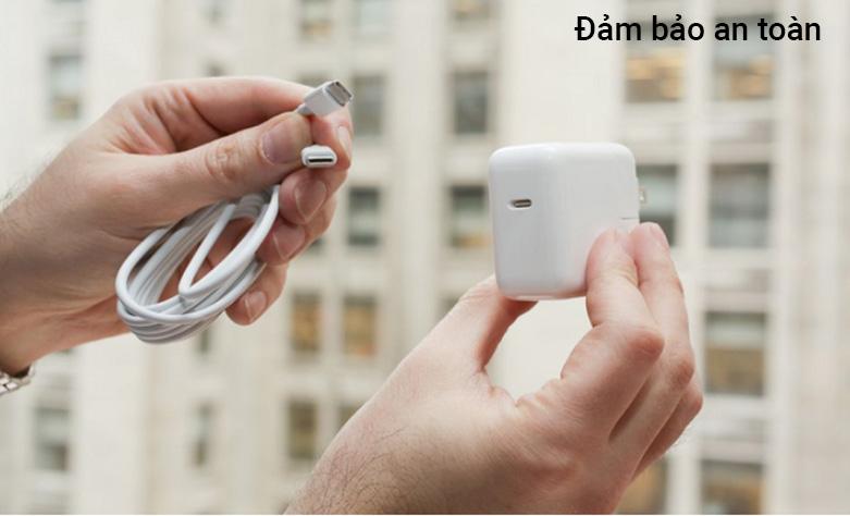 Cáp Sạc APPLE USB-C CHARGE (2M) (MLL82ZP/A) | Đảm bảo an toàn
