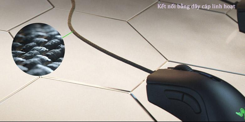 Chuột gaming Razer Deathadder V2 Mini (RZ01-03340100-R3M1) | Kết nối bằng dây cáp linh hoạt