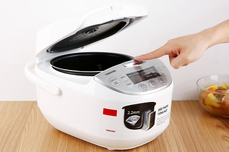 Nồi cơm điện tử Toshiba 1 lít RC-10DH2PV(W) | Công suất 605W – nấu chín nhanh hơn, chương trình nấu nướng đa dạng phong phú