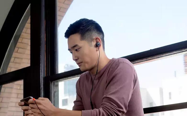 Tai nghe In-ear JBL Quantum 50 (Đen) | Micro thu nhận giọng nói tốt
